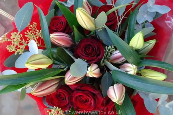 Share your love anniversary flowers